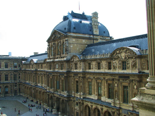 Louvre-Museum1