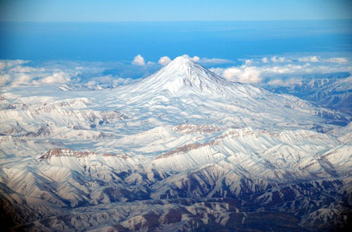 Mount-Damavand-feature-the-highest-peak-in-Iran