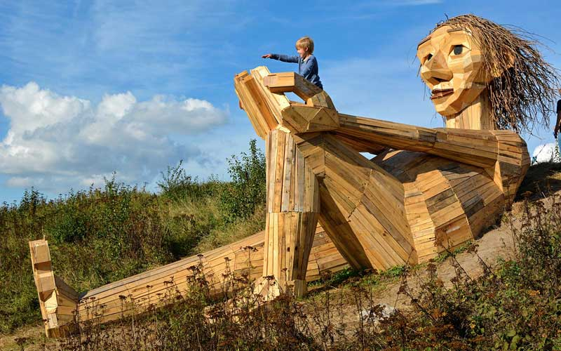 Wooden-giant-in-Denmark02