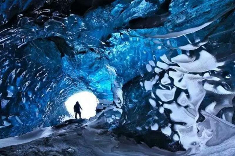 چند مورد از عجیب ترین غار های جهان