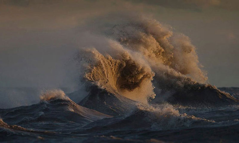 Beautiful images of sea waves